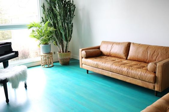 Hardwood Floors and Leather Furniture